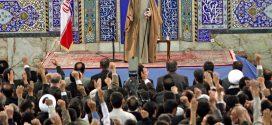 حضور مقام معظم رهبری در ابرکوه؛ دیدار با نخبگان استان